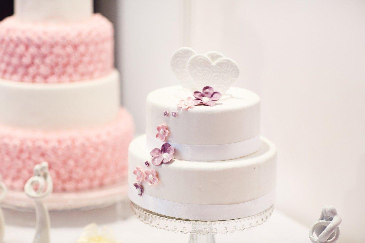 history of the wedding cake